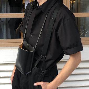 BLACKのショートスリーブシャツは鉄板。