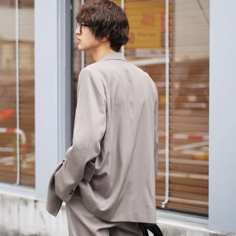 【AURALEE(オーラリー)】服に恋を、