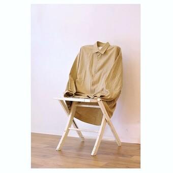 【YAECA(ヤエカ)】ブランドの人気アイテム「コンフォートシャツ」。