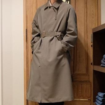 【AURALEE】のコート。
