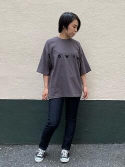 DENIM GALAXY南堀江店のRieさんのEDWINの【期間限定10%OFF】A KIND OF BLACK BIG FIT Tシャツを使ったコーディネート