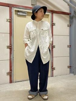 ららぽーと横浜のYukakoさんのLeeの【XSからXXLまでを1サイズでカバーする】FLeeasy イージーパンツを使ったコーディネート