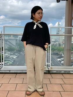 ららぽーと横浜のYukakoさんのLeeの【予約】【XSからXXLまでを1サイズでカバーする】FLeeasy イージーパンツ【6月下旬頃発送予定】を使ったコーディネート
