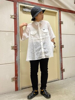 ららぽーと横浜のYukakoさんのLeeの【TOPS 15%OFFクーポン対象】【SALE】シアーシースルーシャツ半袖を使ったコーディネート