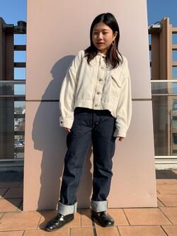 ららぽーと横浜のYukakoさんのLeeのAMERICAN RIDERS 101Z ストレートジーンズを使ったコーディネート