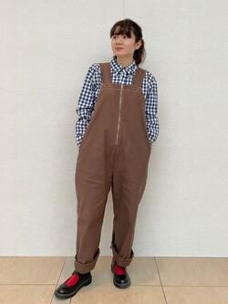 ららぽーと横浜のAyanaさんのLeeの【限定カラー】【ユニセックス】バルーンサロペット/オーバーオールを使ったコーディネート