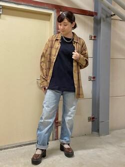 ららぽーと横浜のAyanaさんのLeeの【SALE】オープンカラー チェック柄シャツ/長袖を使ったコーディネート