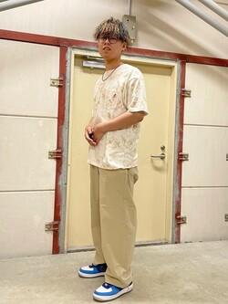 ららぽーと横浜のYoshihiroさんのLeeの【Lee×GRAMICCI(グラミチ)】バックプリント 半袖Tシャツを使ったコーディネート