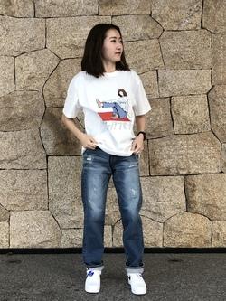 LINKS UMEDA店のMANAEさんのEDWINの【限定】ジーパン女子×江口寿史 Tシャツ Shoelace 【ユニセックス】を使ったコーディネート