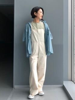 Lee アミュプラザ博多店のYurieさんのLeeの【直営店/WEB限定カラー】リラックスサロペットを使ったコーディネート
