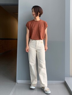 Lee アミュプラザ博多店のYurieさんのLeeのフレンチスリーブ Tシャツを使ったコーディネート