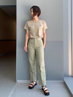 Lee アミュプラザ博多店のYurieさんのLeeの【再値下げSALE】ワンポイントロゴ刺繍 半袖Tシャツを使ったコーディネート