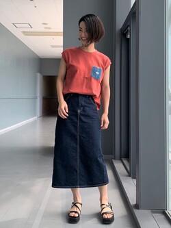 Lee アミュプラザ博多店のYurieさんのLeeの終了【SALE】デニムポケット ノースリーブTシャツを使ったコーディネート