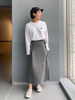 Lee アミュプラザ博多店のYurieさんのLeeの【Lee×GRAMICCI(グラミチ)】タックフレア ミドルスカートを使ったコーディネート