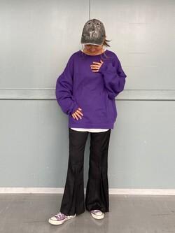 Lee アミュプラザ博多店のMarikoさんのLeeの【Winter sale】【柔らかく揺れる】プリーツ フレアーパンツを使ったコーディネート