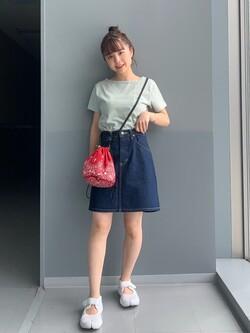 Lee アミュプラザ博多店のRenaさんのLeeの【PreSALE】バックオープン 半袖Tシャツを使ったコーディネート