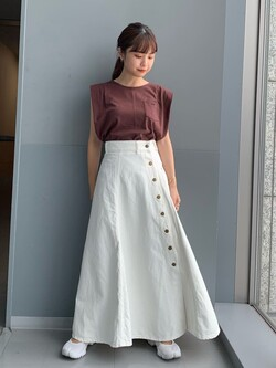Lee アミュプラザ博多店のRenaさんのLeeの【SALE】サイドボタンスカートを使ったコーディネート