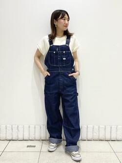 札幌パセオ店のChisatoさんのLeeの【SALE】【軽くて涼しい】ライトウエイト オーバーオールを使ったコーディネート