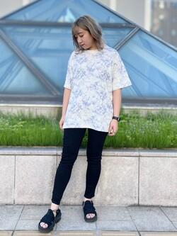札幌パセオ店のChihiroさんのLeeのタイダイ柄 半袖Tシャツを使ったコーディネート