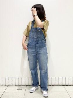 札幌パセオ店のPinanchosuさんのLeeの【The DENIM】Vintage オーバーオール/サロペットを使ったコーディネート