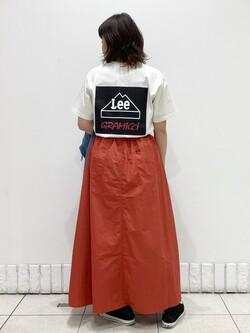札幌パセオ店のPinanchosuさんのLeeの【Lee×GRAMICCI(グラミチ)】バックプリント 半袖Tシャツを使ったコーディネート