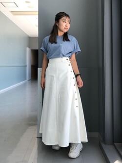 Lee アミュプラザ博多店のNanamiさんのLeeの終了【ガレージセール】サイドボタンスカートを使ったコーディネート
