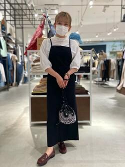 西宮ガーデンズ店のAnjuさんのLeeの【直営店・WEB限定】リラックスサロペットスカートを使ったコーディネート