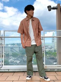 ららぽーと横浜のDaisukeさんのLeeの【予約】【XSからXXLまでを1サイズでカバーする】FLeeasy イージーパンツ【6月下旬頃発送予定】を使ったコーディネート