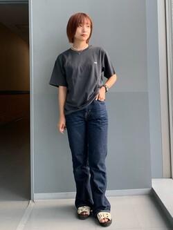 Lee アミュプラザ博多店のMISAKIさんのLeeの【再値下げSALE】バックプリント 半袖Tシャツを使ったコーディネート