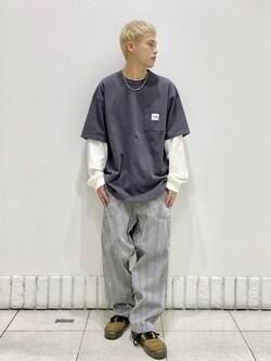 札幌パセオ店のgenさんのLeeの【SALE】ポケット付き 半袖Tシャツを使ったコーディネート