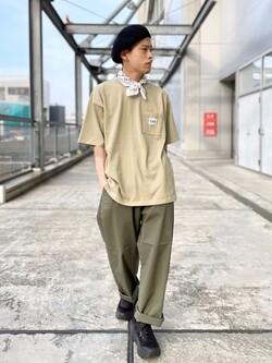札幌パセオ店のgenさんのLeeの【予約】【XSからXXLまでを1サイズでカバーする】FLeeasy イージーパンツ【6月下旬頃発送予定】を使ったコーディネート