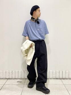 札幌パセオ店のgenさんのLeeの終了【SALE】【ユニセックス】ワンポイントロゴ刺繍 半袖Tシャツを使ったコーディネート