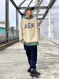 札幌パセオ店のgenさんのLeeの【リバーシブル】2通り楽しめるパーカーを使ったコーディネート