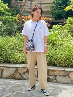 ららぽーと横浜のsatoさんのLeeのバックプリント 半袖Tシャツを使ったコーディネート