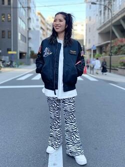 ALPHA SHOP渋谷店のmoe さんのALPHAの【ライトアウター期間限定10%OFF】LOONEY TUNES L-2Bタイトジャケットを使ったコーディネート