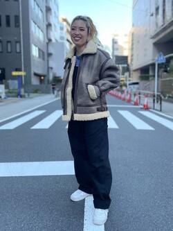 ALPHA SHOP渋谷店のmoe さんのALPHAのB-3 フェイクムートンを使ったコーディネート