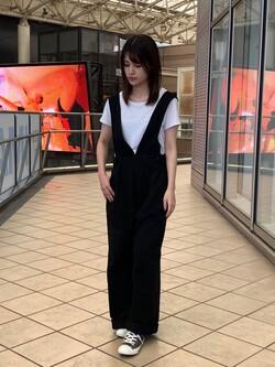 アミュプラザ鹿児島店のrihoさんのLeeの着こなし自在 サロペットパンツを使ったコーディネート