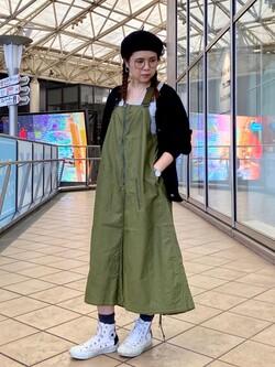 アミュプラザ鹿児島店のAyuさんのLeeのミリタリー サロペットスカートを使ったコーディネート