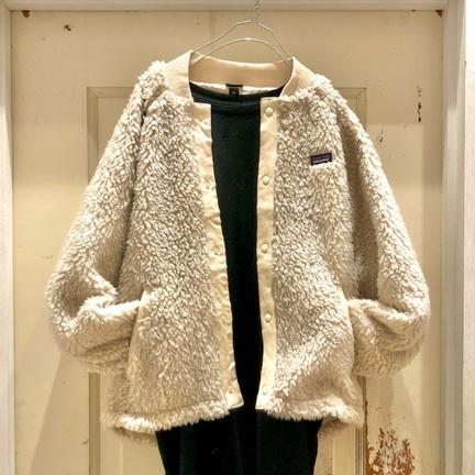 【Patagonia】女子っぽく着れるノーカラーFleece Jacket