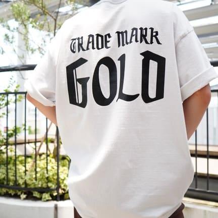 【GOLD】1味違うカラーが豊富なロゴTシャツ
