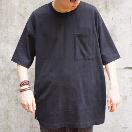 オススメのTシャツ。実は黒しか着ません。