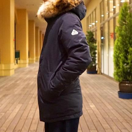 コートのような美しいシルエット!