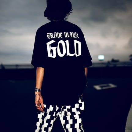 生地&シルエットがいい!GOLDのTシャツ