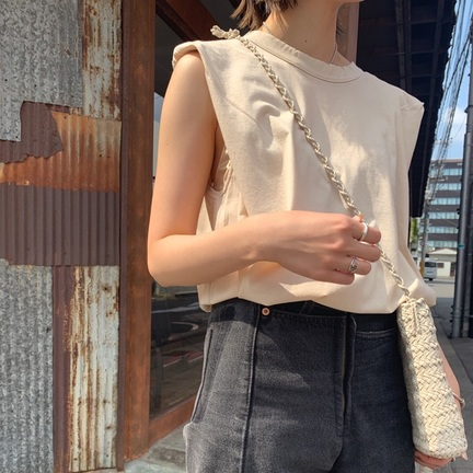 【INSCRIRE】shoulder tee のオススメコーデ