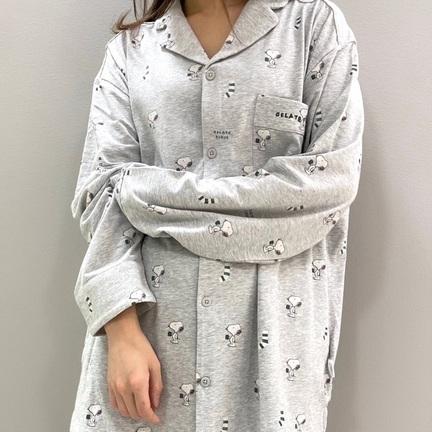 シックなカラーで表現したSNOOPY総柄パジャマ