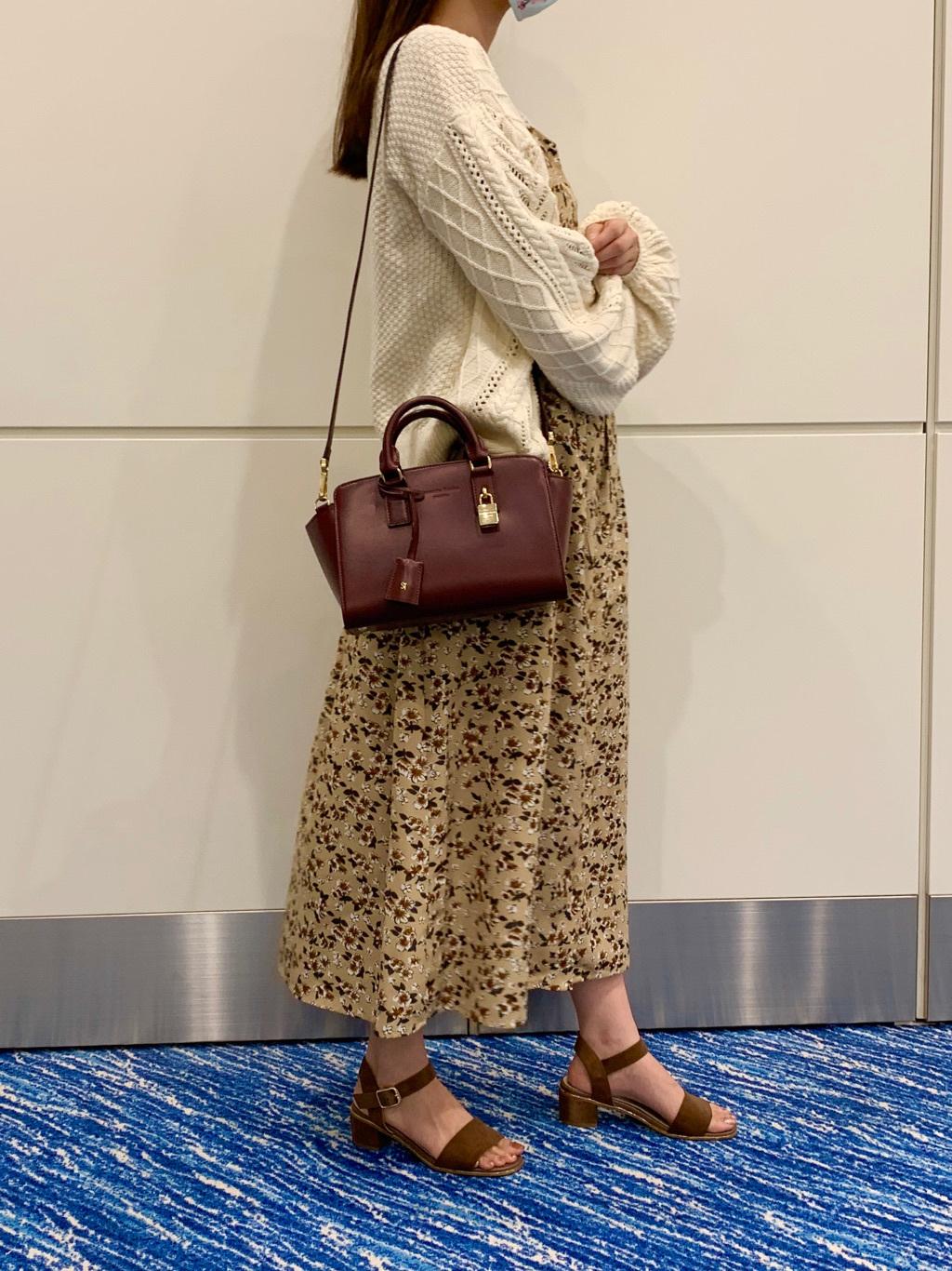 サマンサタバサスイーツ&トラベル羽田空港第2ターミナル店 rina