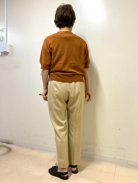 5567086 | mariko | HUMAN WOMAN (ヒューマンウーマン)
