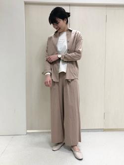 4302025 | yumi | HUMAN WOMAN (ヒューマンウーマン)