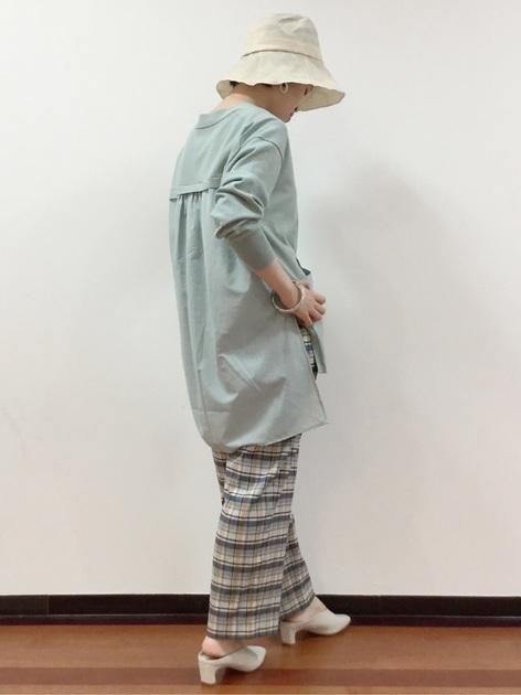 4657256 | mizumi | HUMAN WOMAN (ヒューマンウーマン)