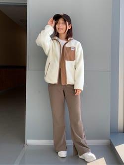 Lee アミュプラザ博多店のMISAKIさんのLeeのあったかボア ジップアップジャケットを使ったコーディネート